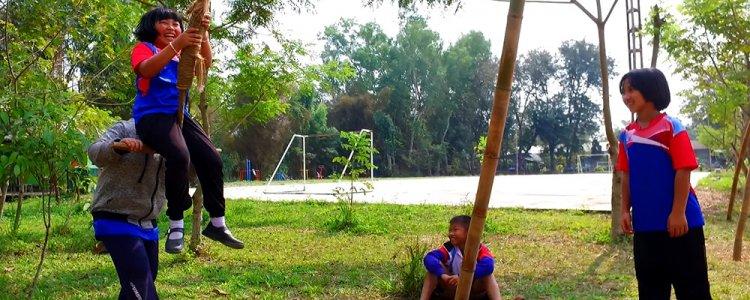ห้องเรียนในป่าไผ่ ของเด็กแม่จันเชียงราย