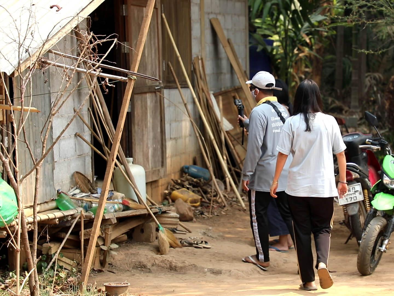 04 จิตอาสาเก็บภาพในหมู่บ้าน