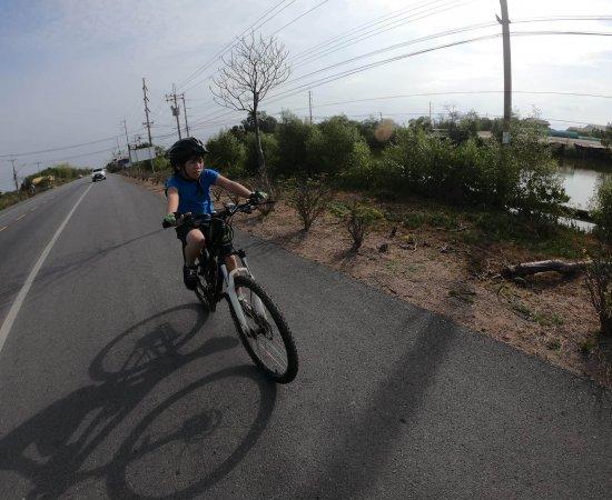 08 ปั่นจักรยานกับขุนพล